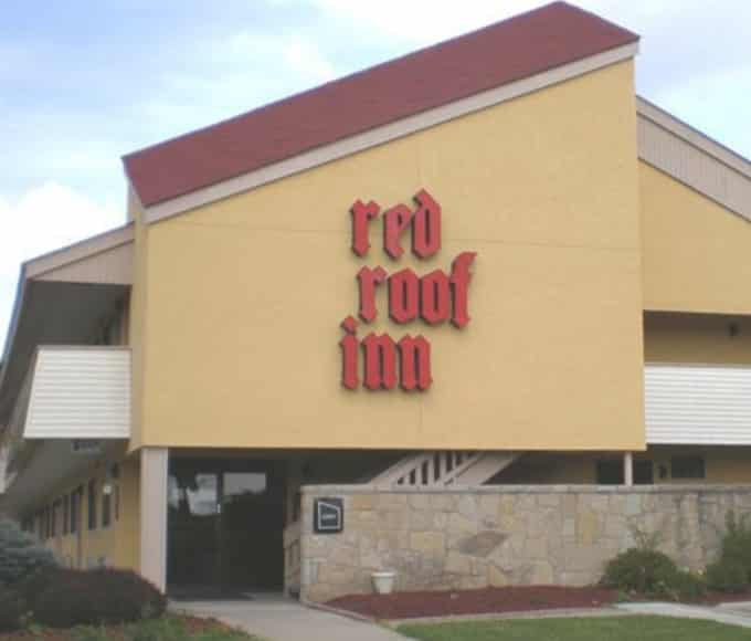 red-roof-inn-slider_3